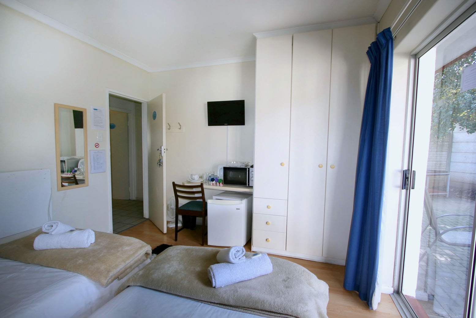 Comfortable Room with separate Bathroom